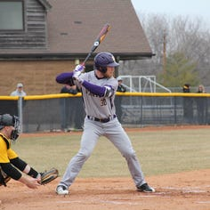 UWSP baseball team off to hot start in conference play
