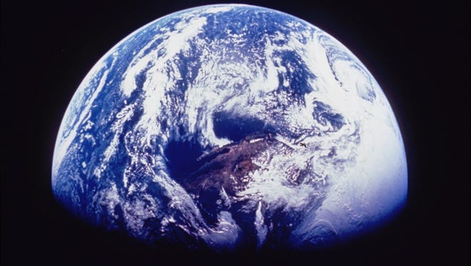 KPlanet Earth as seen from a NASA Space Shuttle mission in 1995.