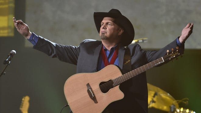 Garth Brooks performs at the 2016 Musicians Hall of Fame Induction Ceremony on Wednesday, Oct. 26, 2016, in Nashville, Tenn.
