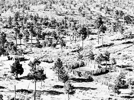 Photos courtesy of Jed Howard's Web site: www.nearlovingsbend.net   The Alonzo Kilgore homestead at Soldier Springs in 1906 from above. There is a log cabin, tent and stave corrals. Photo from the New Mexico High Guadalupe collection via Stan Blocker.