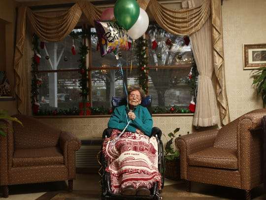 Dunlap is one of five centenarians at the Country Arch