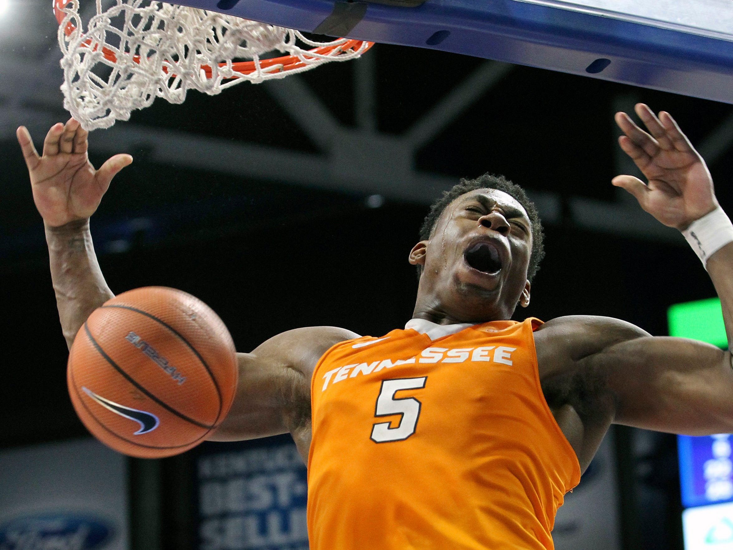 Tennessee's Admiral Schofield dunks for Tennessee's
