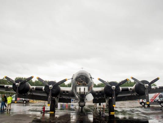 kns-0822bomber BP.JPG