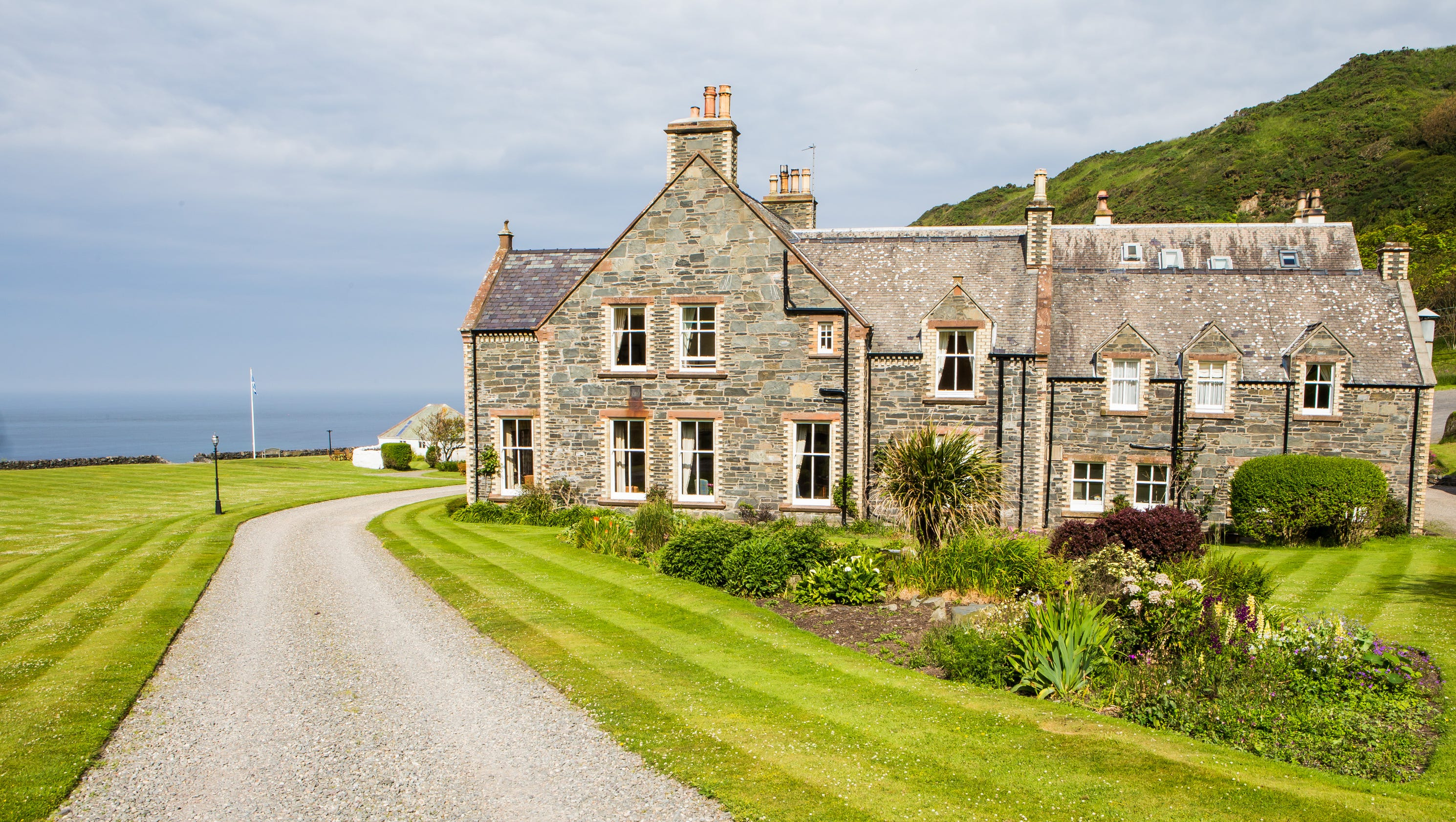 20 of the most beautiful hotels in scotland for Beautiful hotels