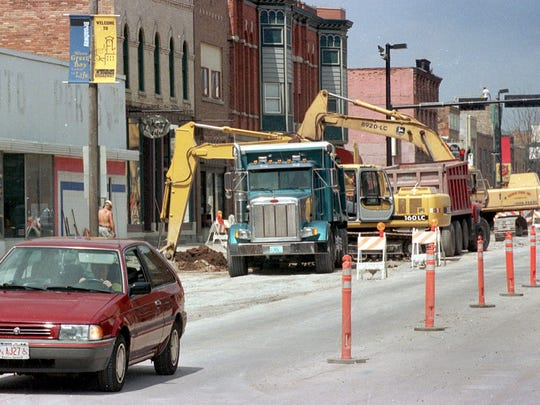 South Broadway Avenue undergoes a makeover in May 2000 between Walnut and Arndt streets.