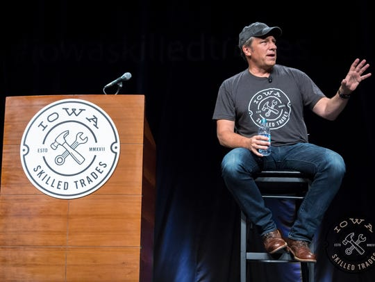 Mike Rowe makes an appearance in Des Moines for the