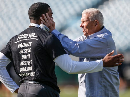 Indianapolis Colts quarterback Jacoby Brissett (7) talks with former NFL coach Bill Parcells before the Jacksonville Jaguars game at EverBank Field on Sunday, Dec. 03, 2017.
