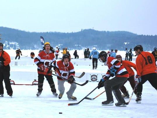 -BUR 0216 Pond hockey 13.jpg_20140215.jpg