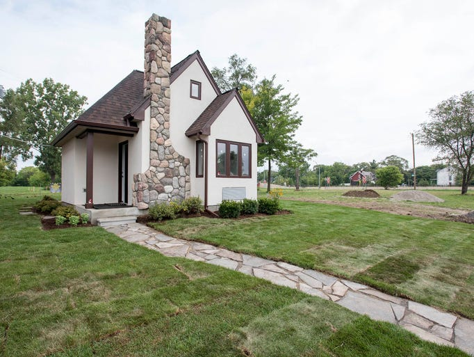 tiny house model home tour in detroit