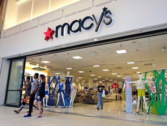 AP MACYS-HOLIDAY-HIRING F A USA FL
