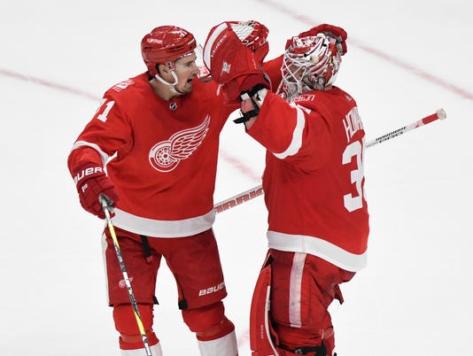 Dylan Larkin, Jimmy Howard