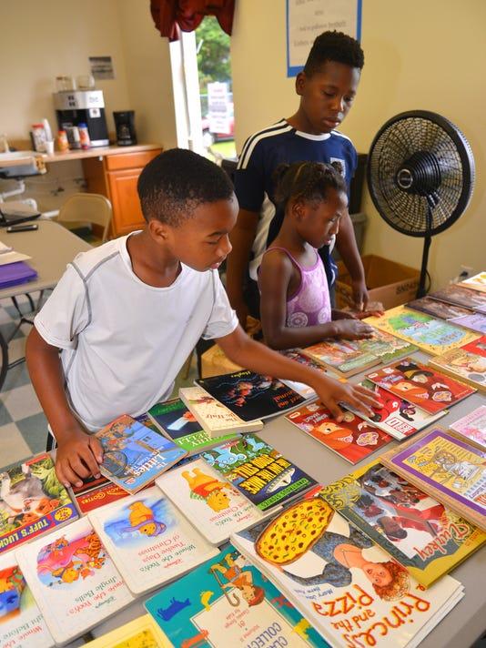Community Feed & Read Program