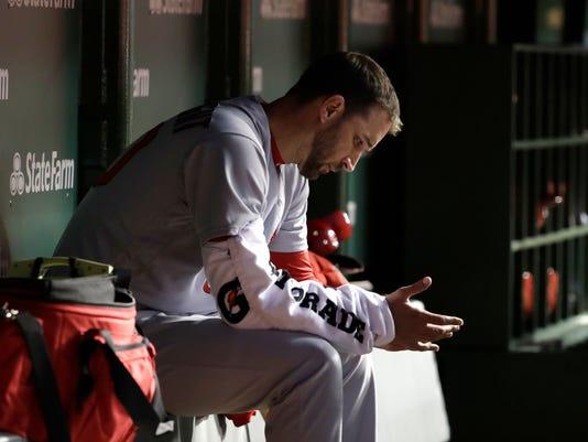 Cardinals_Wainwright_Baseball_15640.jpg