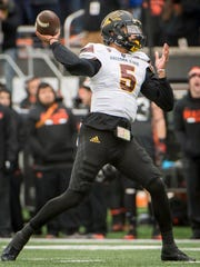 Arizona State Sun Devils quarterback Manny Wilkins (5) throws a pass during the first half in a game against the Oregon State Beavers at Reser Stadium.