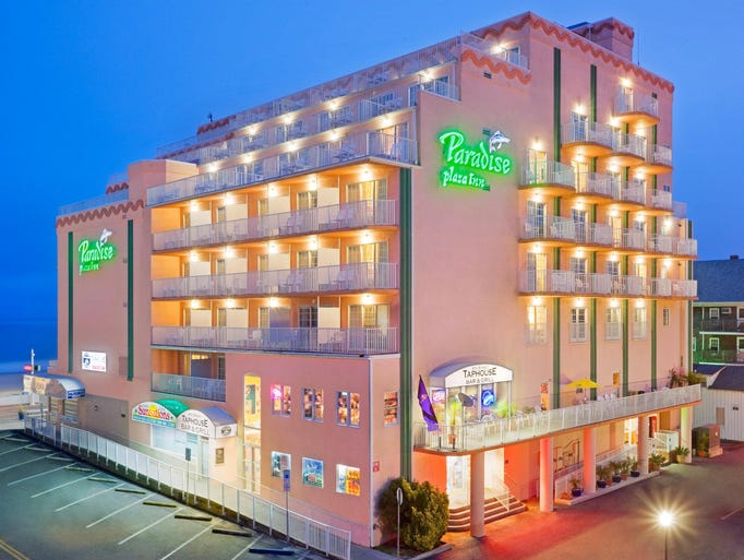 Tripadvisor 39 s top budget destinations for fall 2017 for Paradise motor inn prices