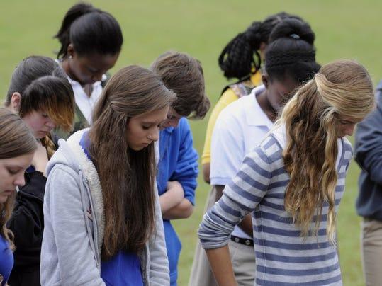 Student prayer BTW Sept 26 2013.jpg