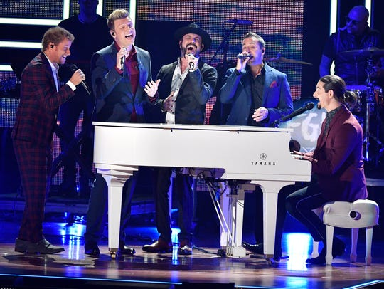 Backstreet Boys honor 2017 CMT Artists of the Year
