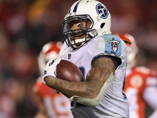 Tennessee Titans running back Derrick Henry (22) runs