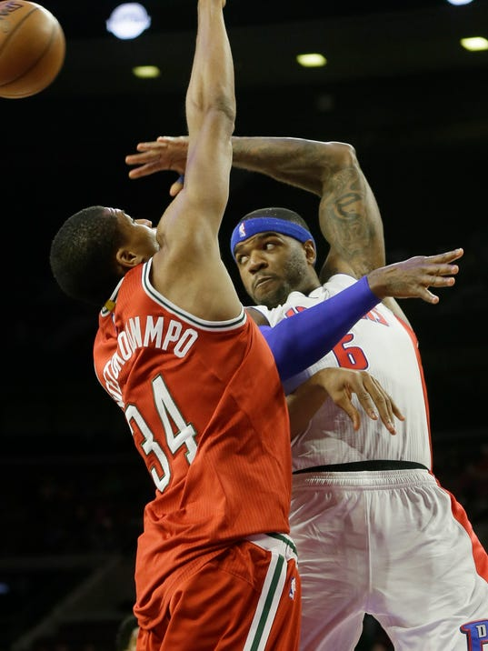 635489725192300002-AP-Bucks-Pistons-Basketball-1-