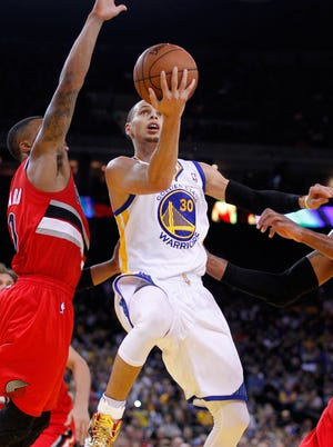 Stephen Curry poured in a game-high 38 points for the Warriors.