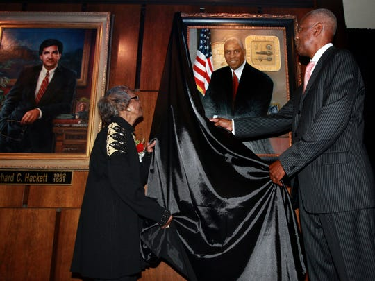 September 29, 2011 -  Former Memphis mayor Willie Herenton, right, is helped by his mother, Ruby Harris, as they unveil his portrait in the Hall of Mayors Thursday evening.  The first African American to be elected mayor of Memphis, Herenton's portrait is also the first person of color to have a portrait in the Hall of Mayors.
