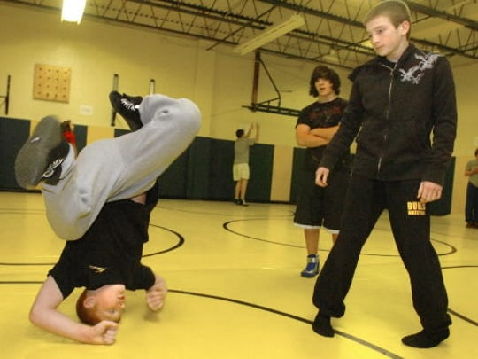 Chance Marsteller, left, shows South Eastern Middle