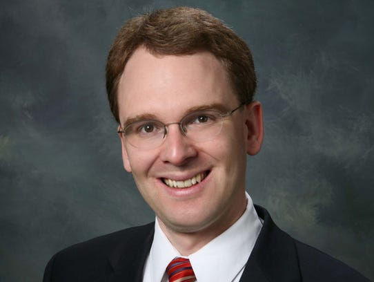 Outagamie County Executive Tom Nelson will run for