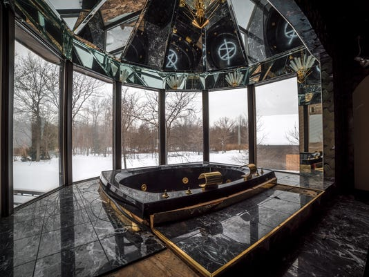 Go Inside Mike Tyson S Deserted Ohio Mansion