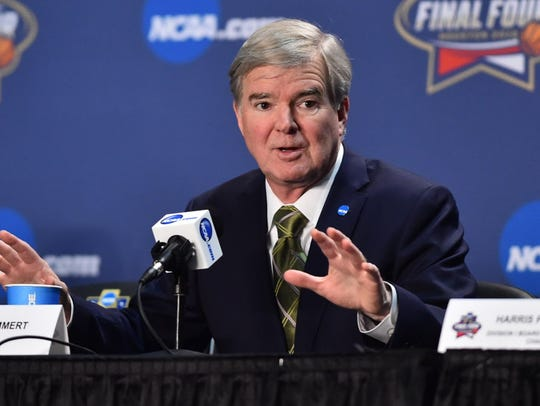 NCAA president Mark Emmert speaks during a 2016 press