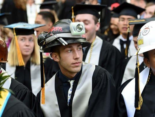 636621920183398945-UNR-Graduation-45.JPG