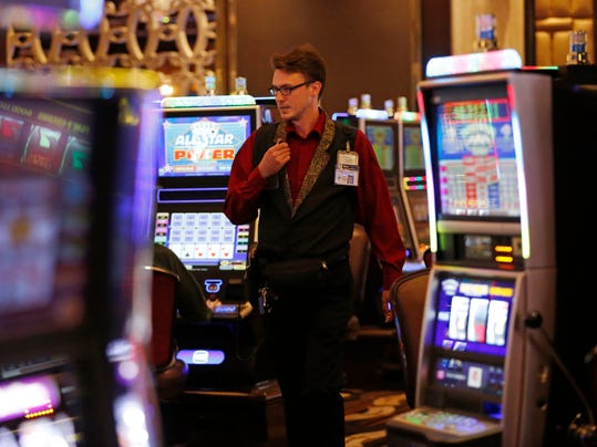 How gratuities work in the casino, and why a little generosity can go a long way