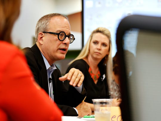 Board member Tim Rosenbury addresses his fellow members during a Springfield Public Schools Board of Education meeting at Fremont Elementary in Springfield, Mo. on Sept. 27, 2016.