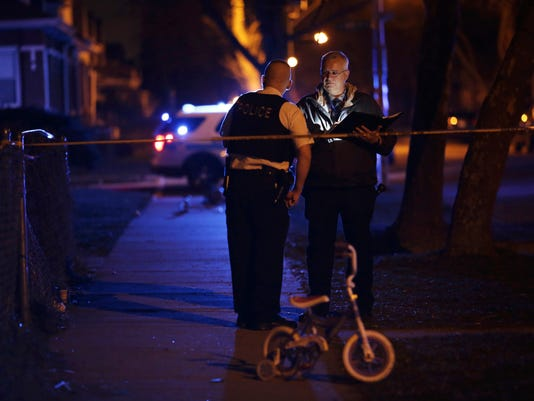 AP CHICAGO VIOLENCE CHILD SHOT A USA IL
