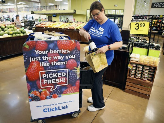 Tanya Barrett-Peters fills ClickList orders at  Kroger