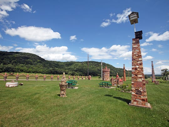 Prairie Moon Sculpture Garden is an art site off the Great RIver Road between Czechville and Cochrane.