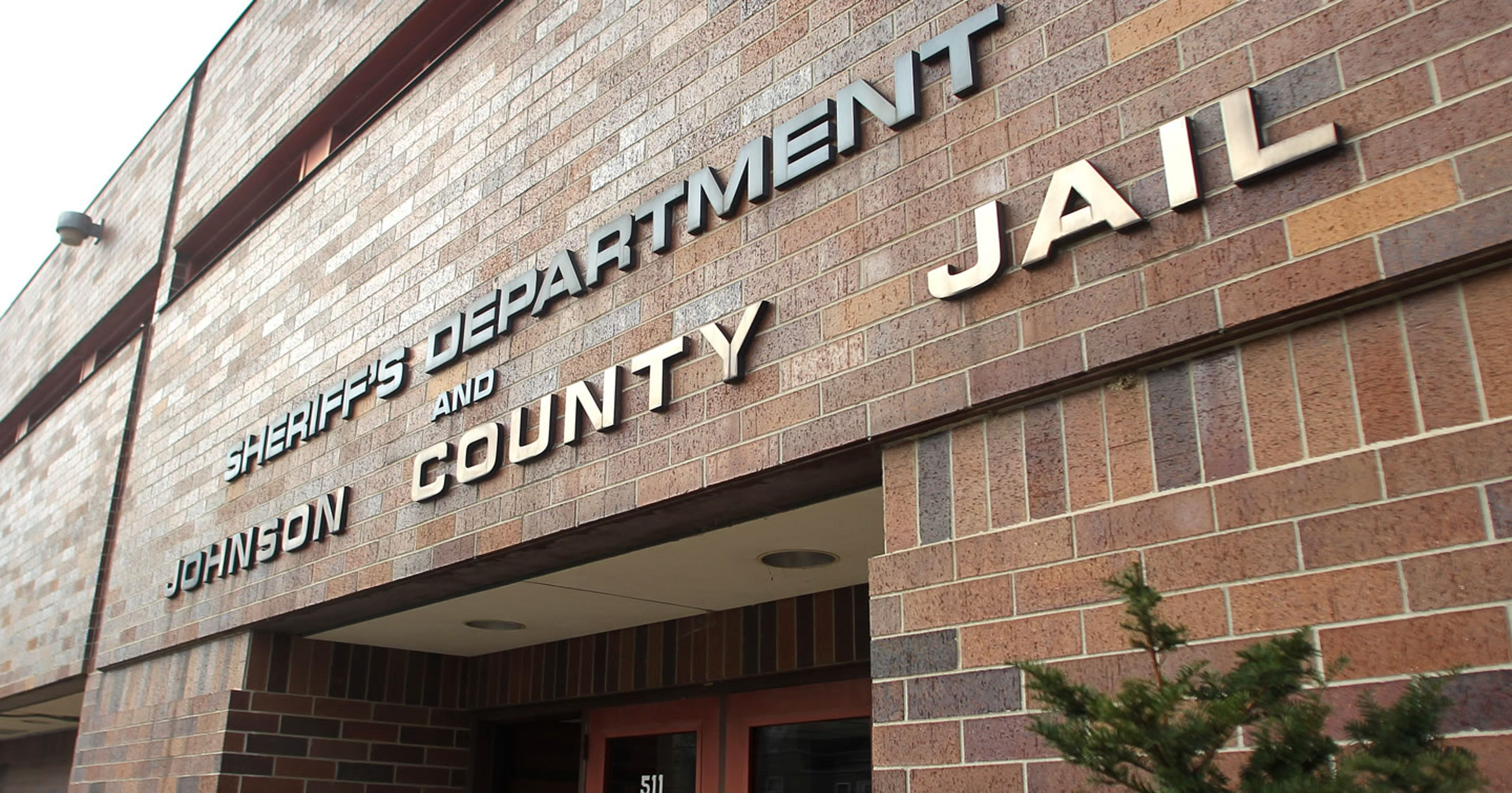 Sheriff: Inmate dies at Johnson County Jail