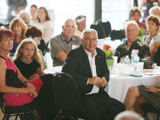 Joe Mazurkiewicz, center, was among the Elmer Tabor