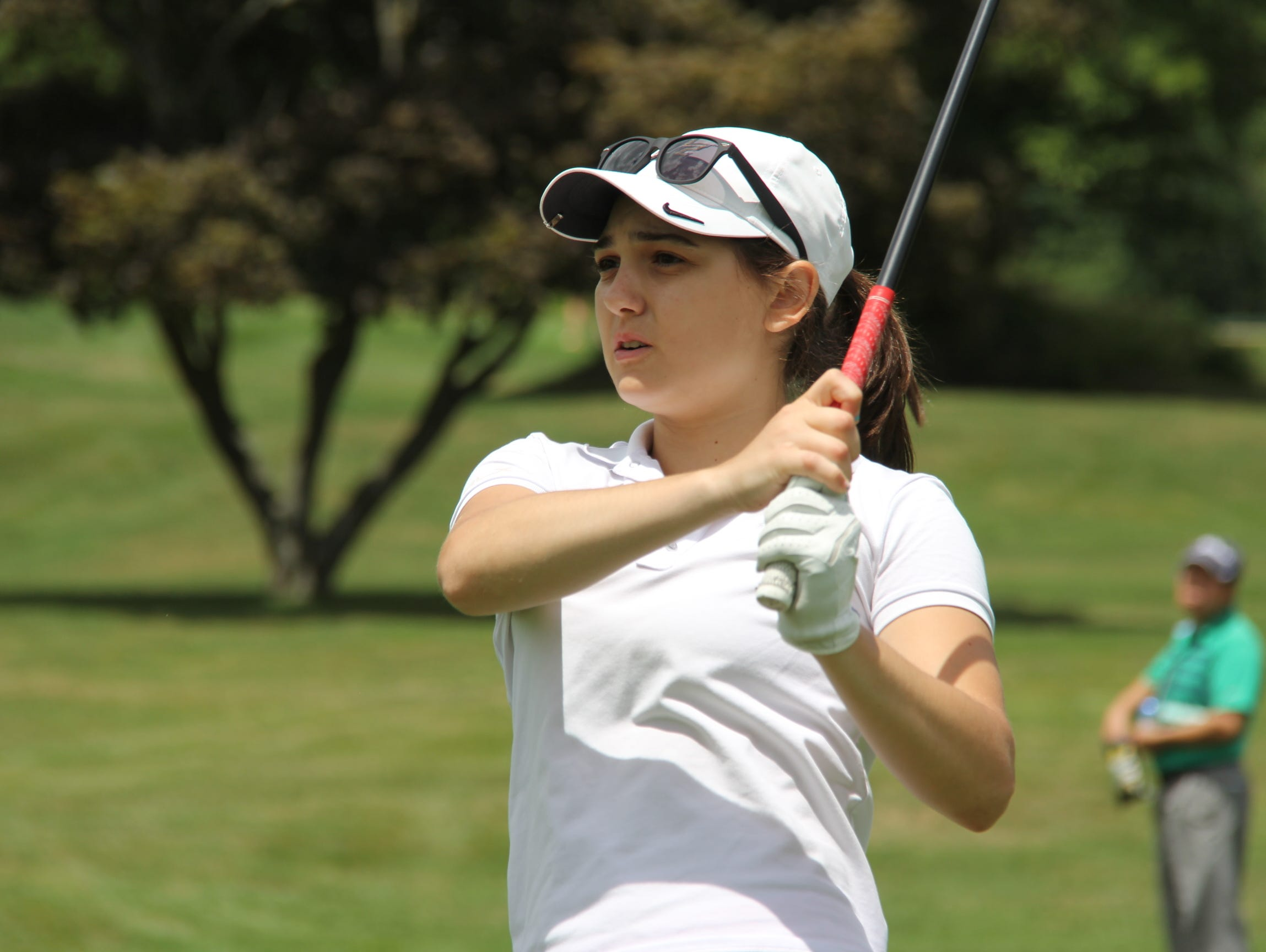 Alessandra Ricigliano, an amateur who plays out of Wykagyl Country Club, is one shot off the lead of the Women's Met Open.