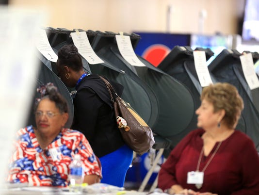 100835772-NS-early-voting06.JPG
