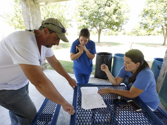 Friday afternoon Brandy Maddux organized volunteers