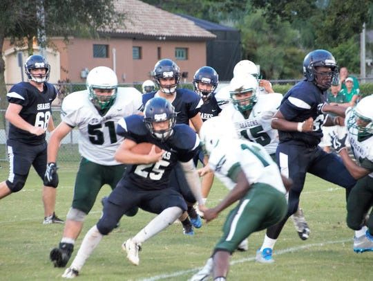 Oasis' Stephen Siciliano throws a pass during the Sharks'