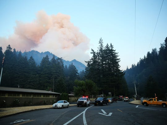 Fire burns in the Eagle Creek area of Columbia River