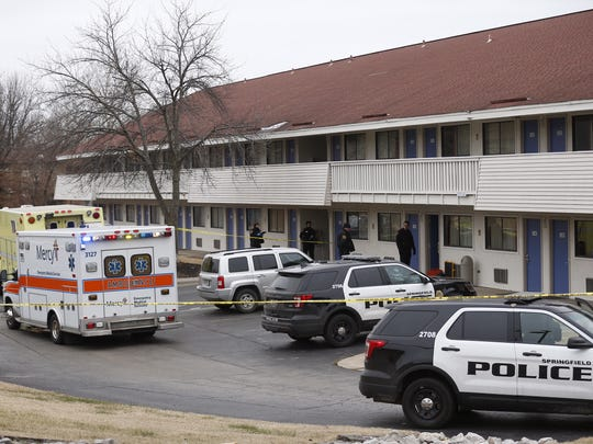 Springfield police respond to a disturbance at a Motel 6 in the 2600 block of North Glenstone Avenue on Friday, Dec. 29, 2017.