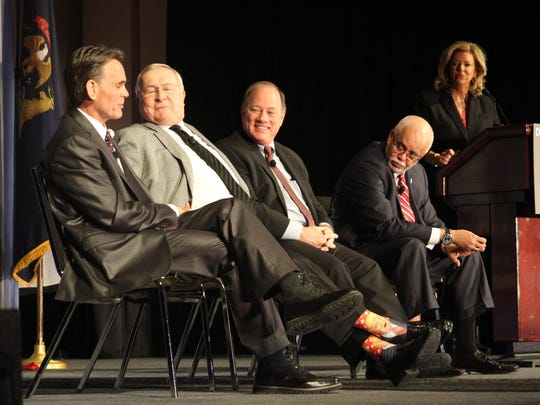 From left, Mark Hackel, L. Brooks Patterson, Mike Duggan and Warren Evans with moderator Carol Cain at the Detroit Economic Club's Big Four annual luncheon held on Jan. 2017.