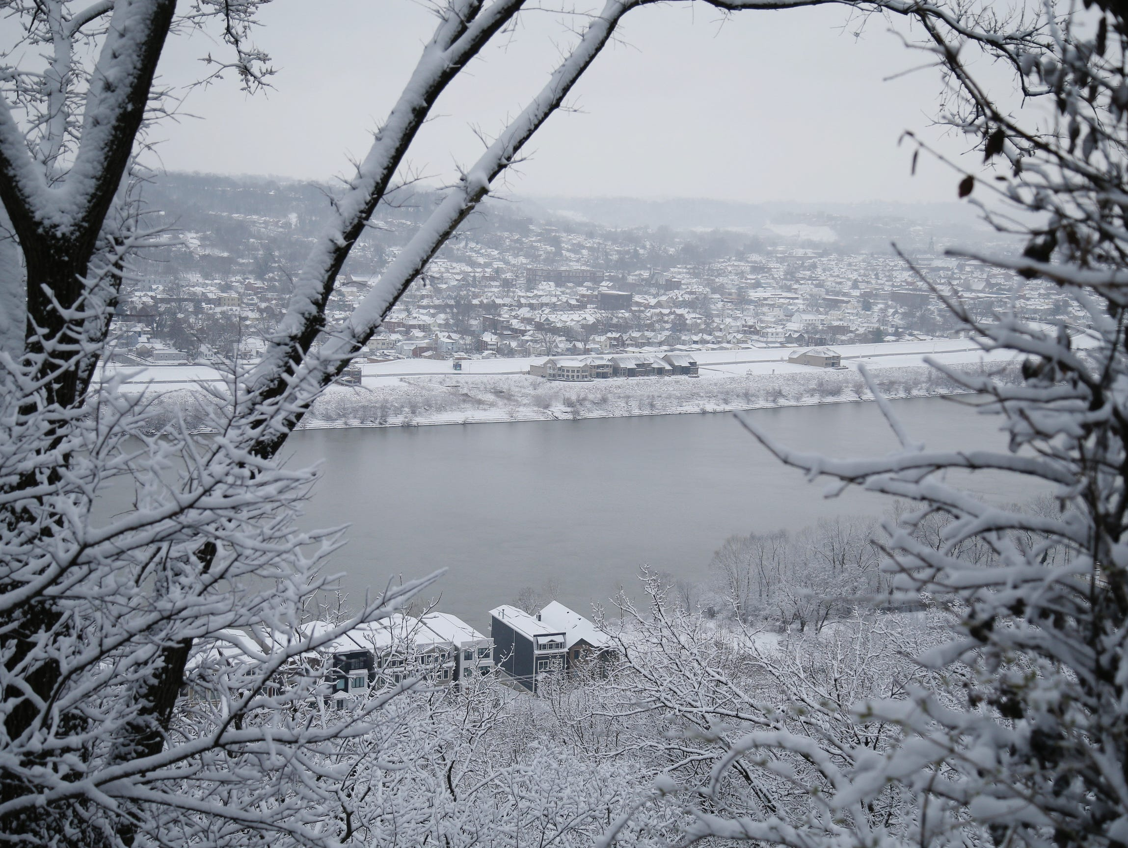 cincinnati snow  when to expect the snow  sleet and rain