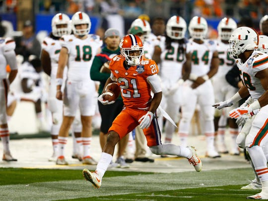 Clemson Tigers wide receiver Ray-Ray McCloud (21) runs