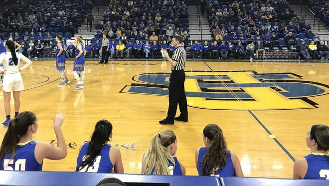 SDSU players Megan Bultsma, Sydney Tracy, Tylee Irwin, Rylie Cascio Jensen and Sydney Tracy wait to check into Saturday's game vs IPFW.