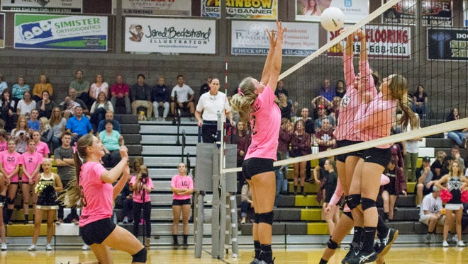 Desert Hills and Pine View battle it out at Desert Hills High School Tuesday, Oct. 18, 2016. The Thunder look to defend their Region 9 crown despite replacing six seniors under new head coach Sharon Christensen.