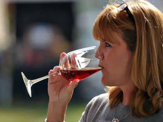 -mg-wine-102012-01.jpg_20121020.jpg