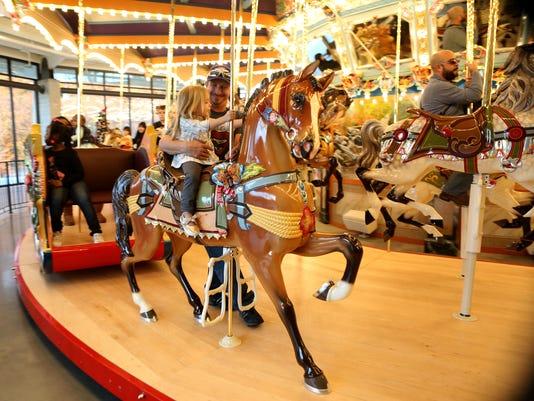 LEDE-carousel.jpg